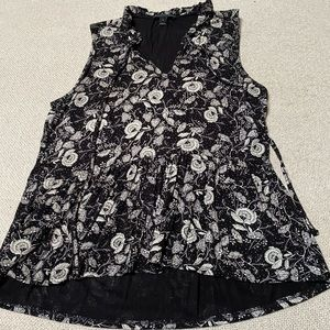 JCrew Ruffle Trimmed Tie Front in Black and White Floral Print.  Size S